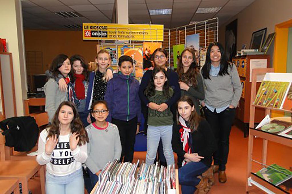 FENG Hatat avec les élèves du collège Saint Exupéry