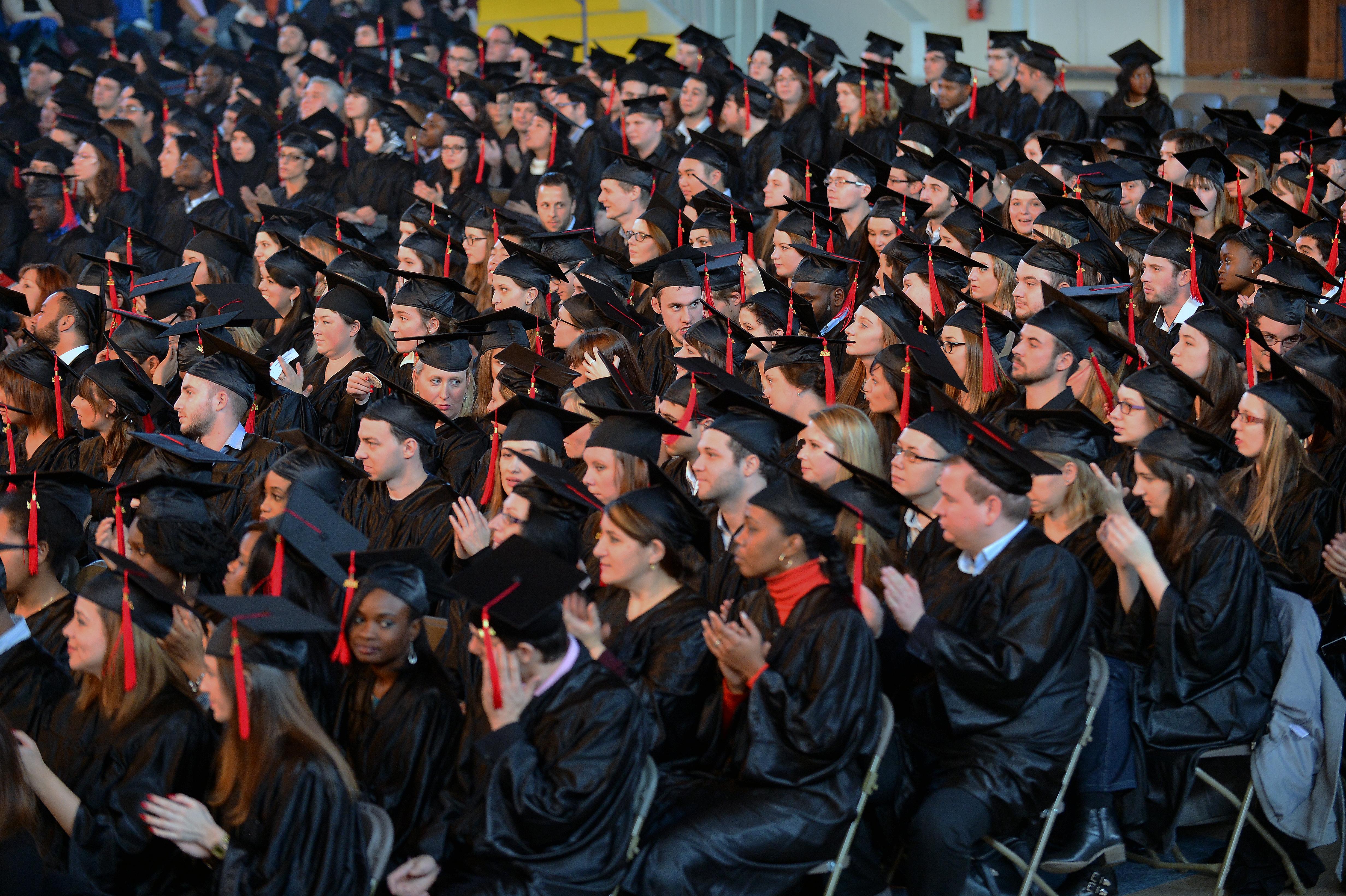 Remise de diplome universite reims champagne ardenne 2014 par Feng et Alain Hatat, agence Rêve Ville